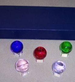 Set de 7 sfere colorate, cu suport din cristal