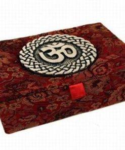 Cutiuta din material textil la interior si exterior si Tao
