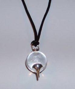 Pandantiv din cristal de stanca, argintat, pe siret negru
