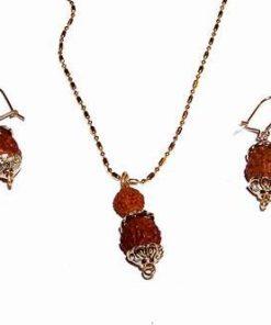 Set cu Rudraksha, in montura placata cu aur