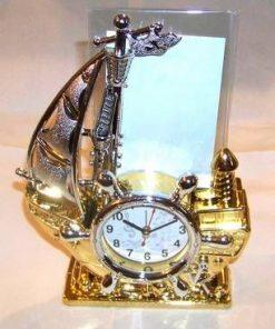 Corabia abundentei cu ceas si rama de tablou