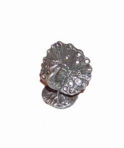 Paun argintiu din metal